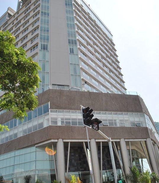 Acacia Hotel Manila (Alabang)001